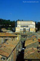 b_0_200_16777215_00_images_stories_caprarola_caprararola-palazzo-dritta.jpg