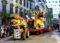 b_250_0_16777215_00_images_stories_ronciglione_carnevale-ronciglione2.jpg