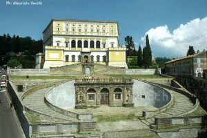 b_300_0_16777215_00_images_stories_caprarola_palazzo_farnese.jpg
