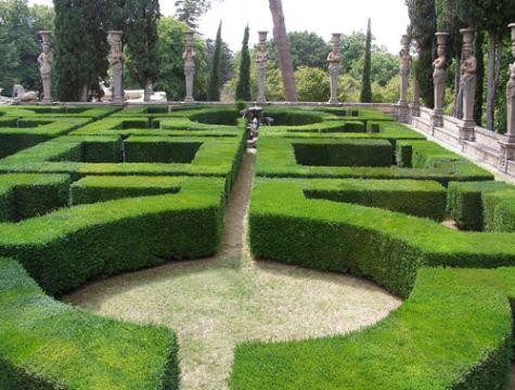 b_475_361_16777215_00_images_stories_caprarola_giardino-caprarola.jpg