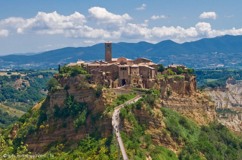 b_800_600_16777215_00_images_stories_civitadibagnoregio_civita-bagnoregio-2014.jpg